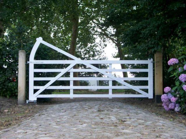 engelse poort met GROUND 610 - 624